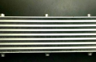 Intercooler JDM – 70 x 14 x 6 – Bocas en 2.5 Pulgadas